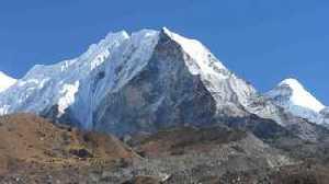 Итальянский альпинист умер при восхождении на вершину Айленд-Пик в Непале