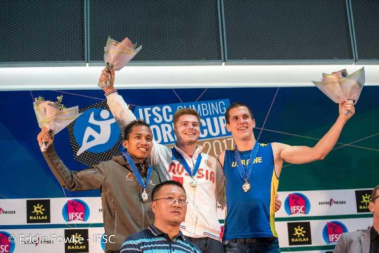 Константин Павленко - бронзовый призер этапа Кубка Мира по скалолазанию в Сямыне
