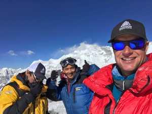 Американо-непальская команда альпинистов совершила первое в истории восхождение на гималайскую вершину Tharke Khang (6670 м) в Непале
