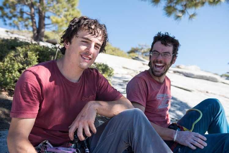 Брэд Гобрайт (Brad Gobright) и Джим Рейнольдс (Jim Reynolds) на вершине Эль-Капитана. Фото Drew Smith