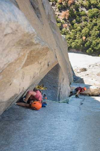 Брэд Гобрайт (Brad Gobright) и Джим Рейнольдс (Jim Reynolds) на маршруте «The Nose». Фото  Drew Smith