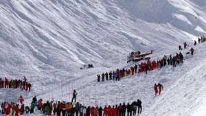 За минувший сезон в Французских Альпах в лавинах погибли 22 человека