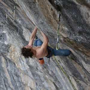 Адам Ондра открывает в Италии новый маршрут