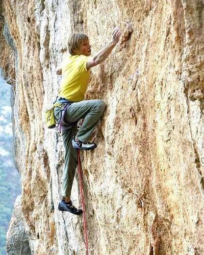 Александр Мегос (Alexander Megos) на скалах Леонидио. Фото Alexander Megos