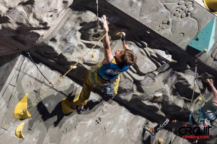 Фёдор Самойлов на этапе Кубка Мира в Крани. Фото The Circuit Climbing