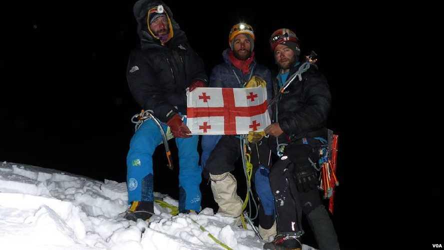Гиоргий Тепнадзе (Giorgi Tepnadze, 28 лет), Бакар Гелашвили (Bakar Gelashvili, 31 год) и Арчил Бадриашвили (Archil Badriashvili, 27 лет). Фото amerikiskhma.com