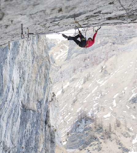 """Анжелика Райнер (Angelika Rainer) на маршруте """"A Line Above the Sky"""" D15. Фото Michael Maili"""