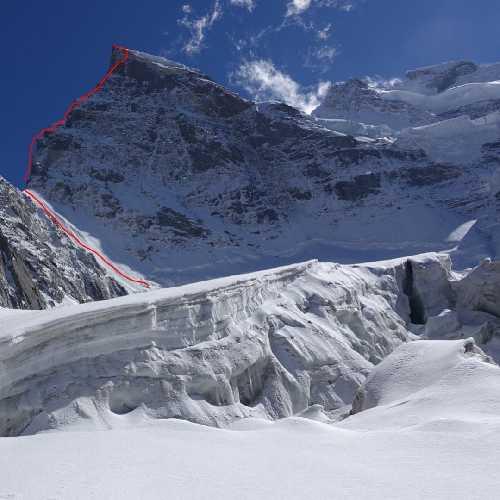 Маршрут по Северному хребту горы Рунгофарка (Rungofarka, 6495 м). Фото Tino Villanueva