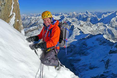 "Mick Fowler на маршруте ""Prow of Shiva"", Индийские Гималаи, пик Shiva 6.142м. Фото Mick Fowler"