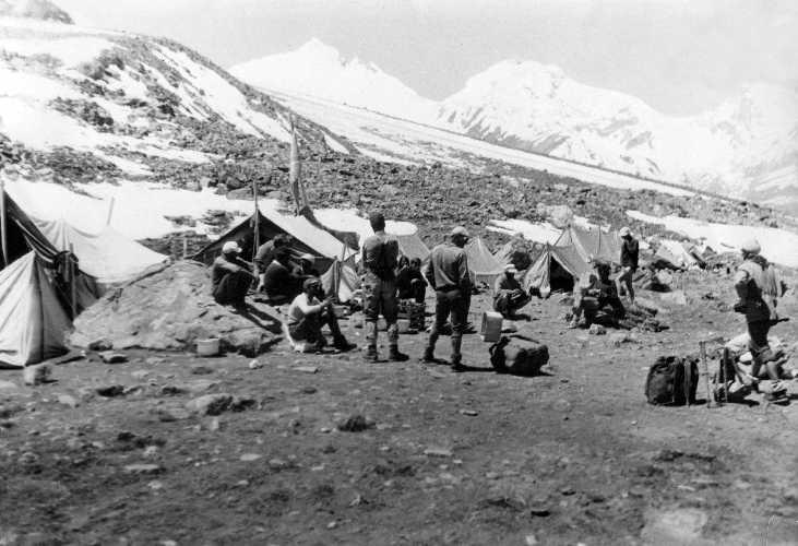 Базовый лагерь экспедиции «Даршай-74»
