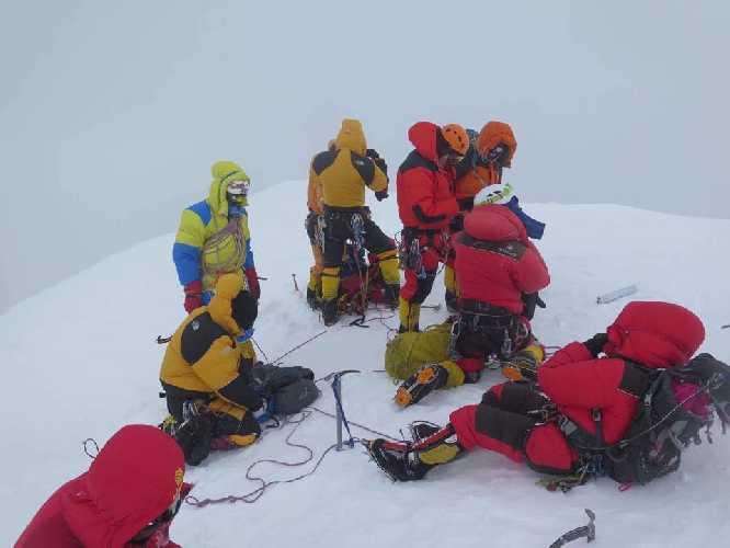 На восьмитысячнике Броуд-Пик. Фото Mingma G. (от ред: в последствии окажется что это фото было сделано не на вершине горы)