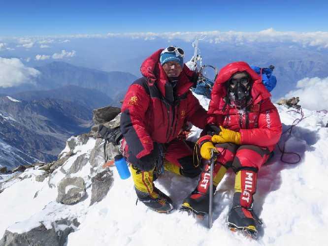На восьмитысячнике нангапарбат. Фото Mingma G. (от ред: в последствии окажется что это фото было сделано не на вершине горы)