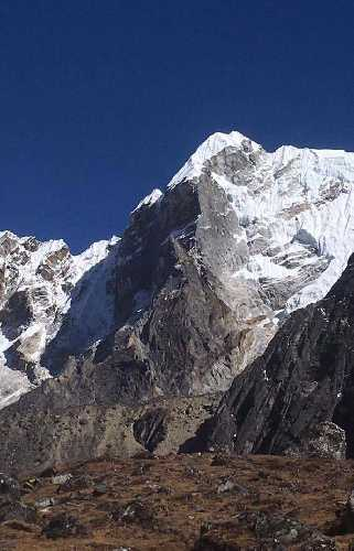 Юго-западный контрфорс Лобуче Восточная (Lobuche East, 6119 метров). Фото New Zealand Alpine Team