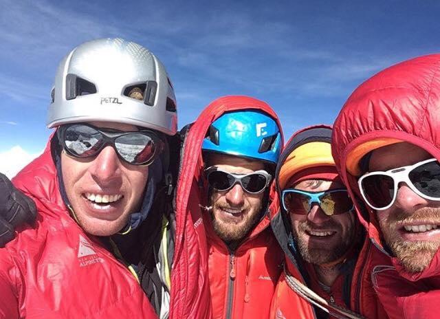 Стива Фортуна (Steve Fortune), Мэтью Скулс (Matthew Scholes), Ким Лэдиджес (Kim Ladiges) и Дэниел Джол (Daniel Jol). Фото New Zealand Alpine Tea