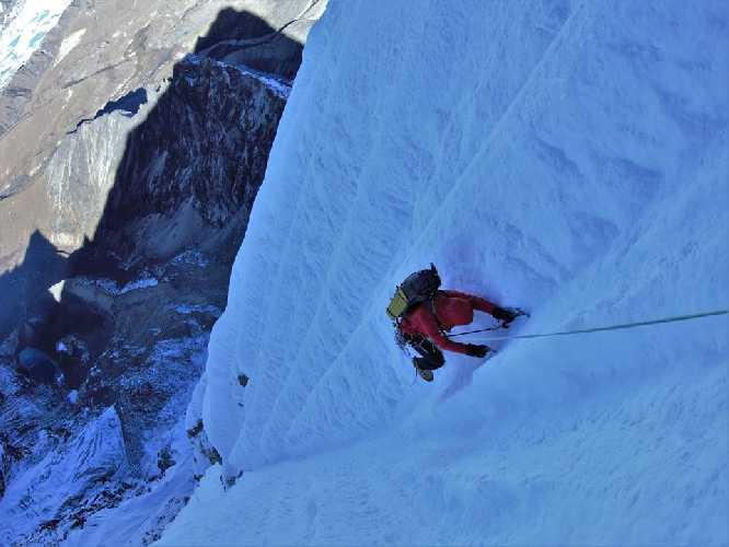 Восхождение по французскому маршруту на вершину Чолатцзе (Cholatse, 6440 м). Фото New Zealand Alpine Team