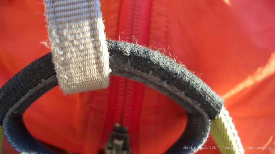 Чаще всего стирается тут. После 26 восхождений выглядит хорошо.  Фото steelinside . com