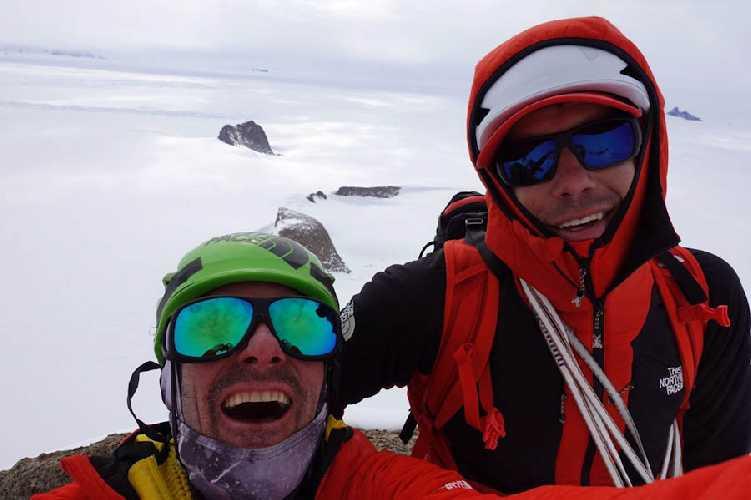 Алекс Хоннольд (Alex Honnold) и Цедар Райт (Cedar Wright) в Антарктиде