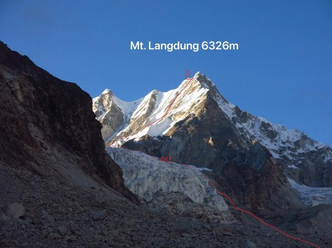 Первый маршрут на вершину горы Лангдунг (Mount Langdung, 6357м)
