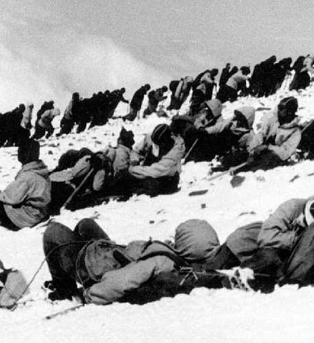 Массовость на Эльбрусе. 1960 год. Фото из архива Кирилла Барова