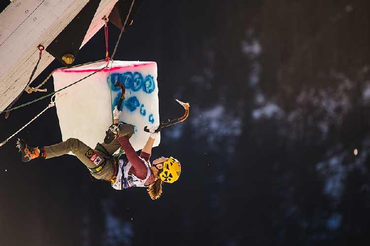 этап Кубка Мира по ледолазанию Рабенштайне. Фото eisklettern . it