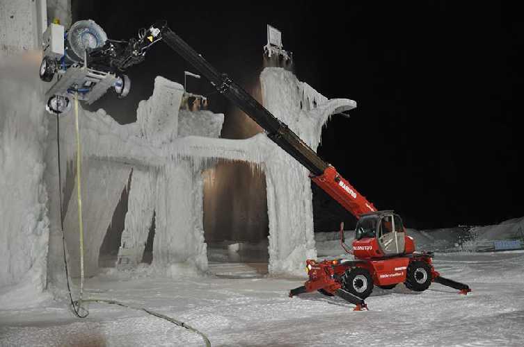 Ледолазный стенд в Рабенштайне. Фото eisklettern . it