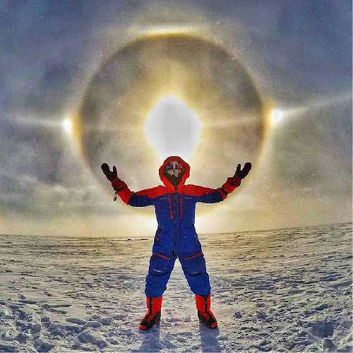 Солнечное гало в Антарктиде. Фото Leo Houlding