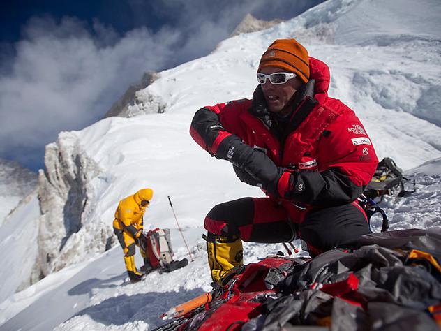 Симоне Моро (Simone Moro) - самый авторитетный альпинист по зимним восхождениям на восьмитысячники. Фото The North Face