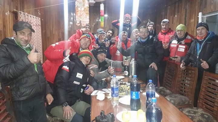 Польская команда к К2 в Скарду. Отмечание Нового года, 31 января 2017 года