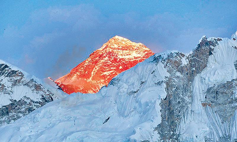 Эверест. Фото Kathmandupost