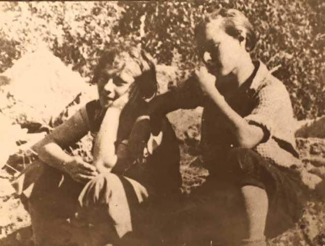 Баровы. Таня и Наташа. Фото из архива Кирилла Барова