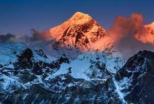 Новые правила на Эвересте: стрельба из пушки по воробьям