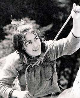 Вспоминая Ванду Руткевич: первую в мире женщину, поднявшуюся на вершину восьмитысячника К2