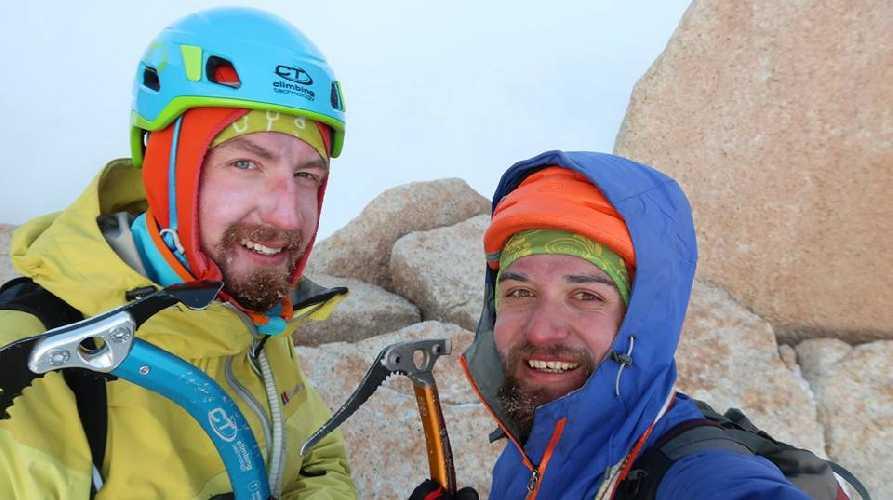 Никита Балабанов и Андрей Вергелес на Aguja Poincenot. Фото Никита Балабанов