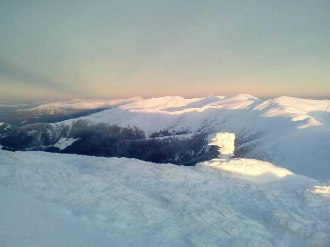 Черногорский хребет зимой. Фото Чорногірський гірський пошуково-рятувальний пост