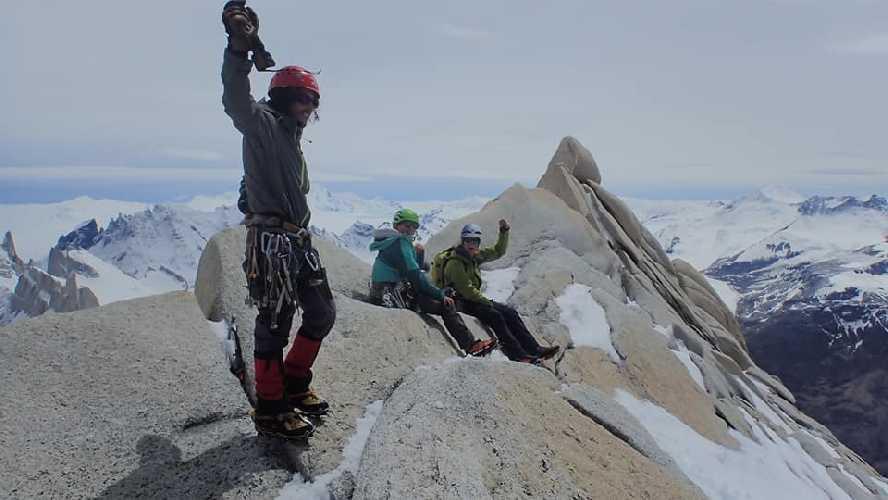 На вершине Cerro Solo.  Фото James Monypenny