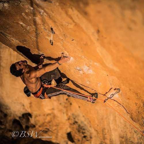 """Томас Раванал (Tomás Ravanal) на маршруте """"La Rambla"""" 9а+. Фото BSW"""