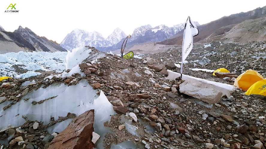 Вид из базового лагеря Эвереста. 5 января 2018 года. Фото Alex Txikon