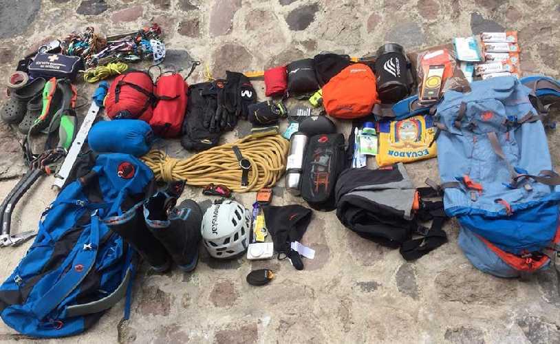 Снаряжение Карла Эглоффа для скоростного восхождения по Южной стене Аконкагуа. Фото Karl Egloff