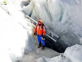 Работа на ледопаде Кхумбу. Фото Alex Txikon. 6 - 8 января 2018 года