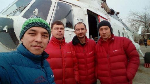 Команда перед стартом в Бишкеке. 2 января 2018 года. Фото Сергей Селиверстов