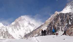 Возле базового лагеря Броуд Пик. Треккинг через ледники Конкордия. Польская зимняя экспедиция на К2. Фото Wyprawa na K2