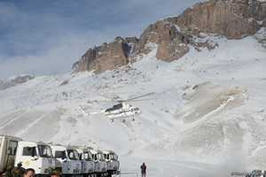 В Азербайджане третью неделю ищут пропавших альпинистов