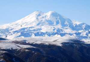 На Эльбрусе пропали без вести два альпиниста из Белоруссии