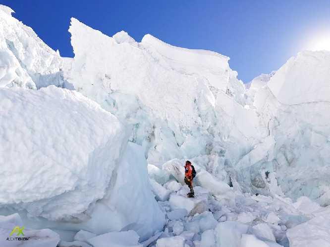 Алекс Тикон (Alex Txikon) в районе первого высотного лагеря на Эвересте, 14 января 2018 года. Фото Alex Txikon