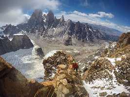 Влад Капусан (Vlad Capusan) и Жолт Торок (Török Zolt) в восхождении на вершину Серро Адела Сур (Cerro Adela Sur) высотой 2800 метров. Фото Vlad Capusan