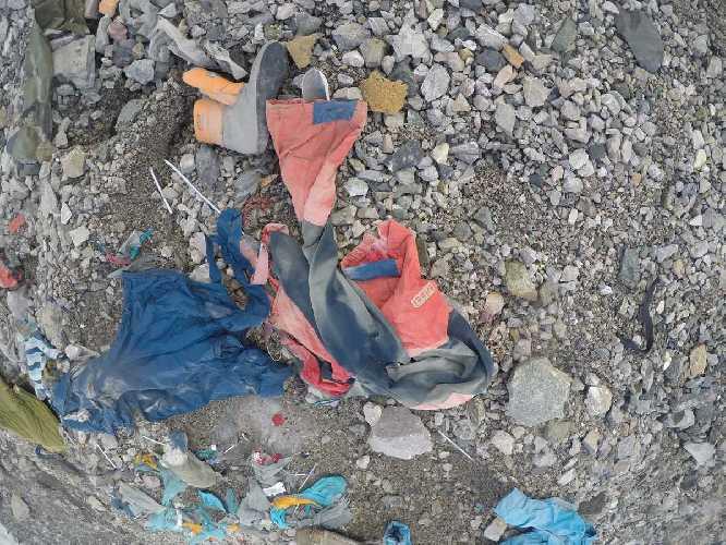"""Вытаивание тел погибших альпинистов на пике Ленина. Фото Валерий """"Supertramp"""""""
