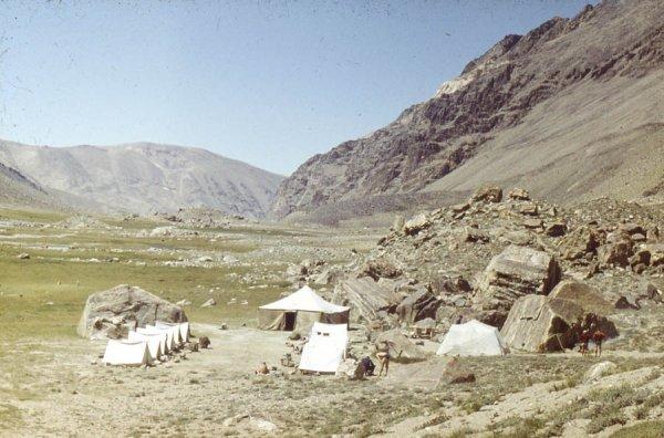 Базовый лагерь под пиком Маркса