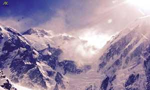 Зимние экспедиции на Эверест и К2: работа продолжается