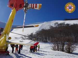 Два лыжника погибли и один травмирован в лавине в горах Италии