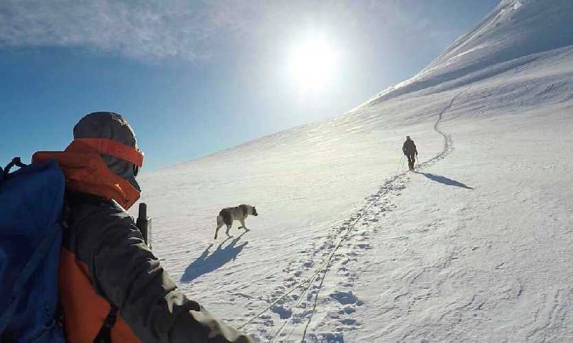 Казбекский перевал 4470м.  Фото Виталий Шлюпка и Александр Корец